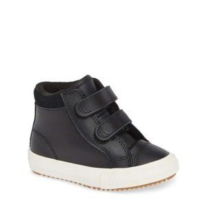 Coverse All Star(R) 2V Leather High TopSneaker New